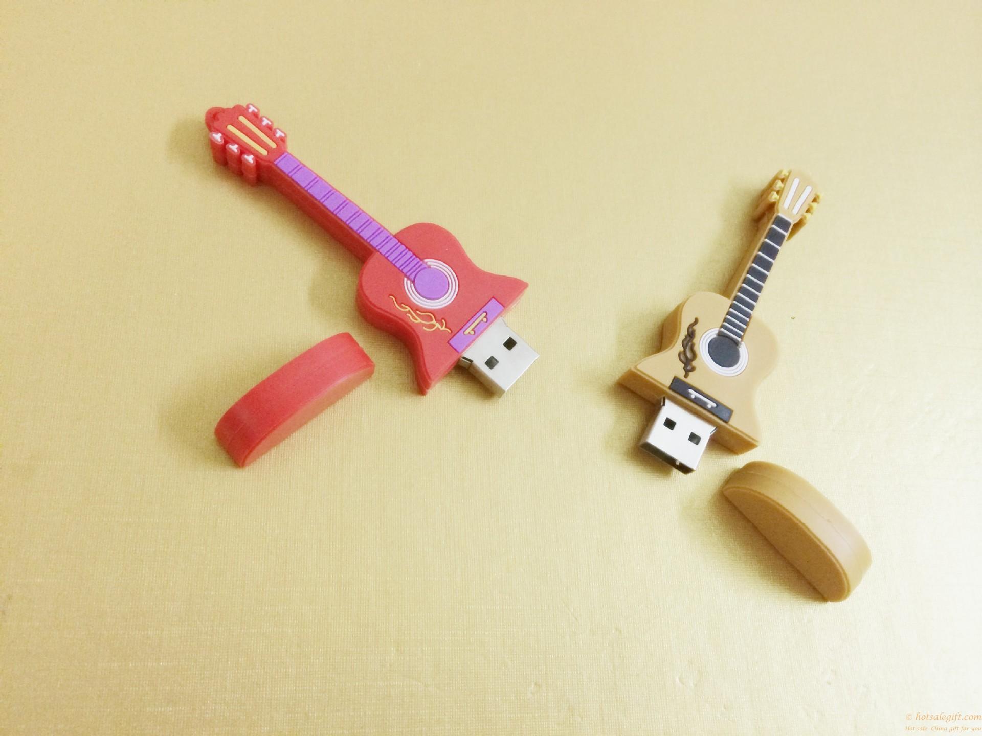 Yaratıcı Pvc Su Geçirmez Silikon Gitar Karikatür U Disk Sıcak