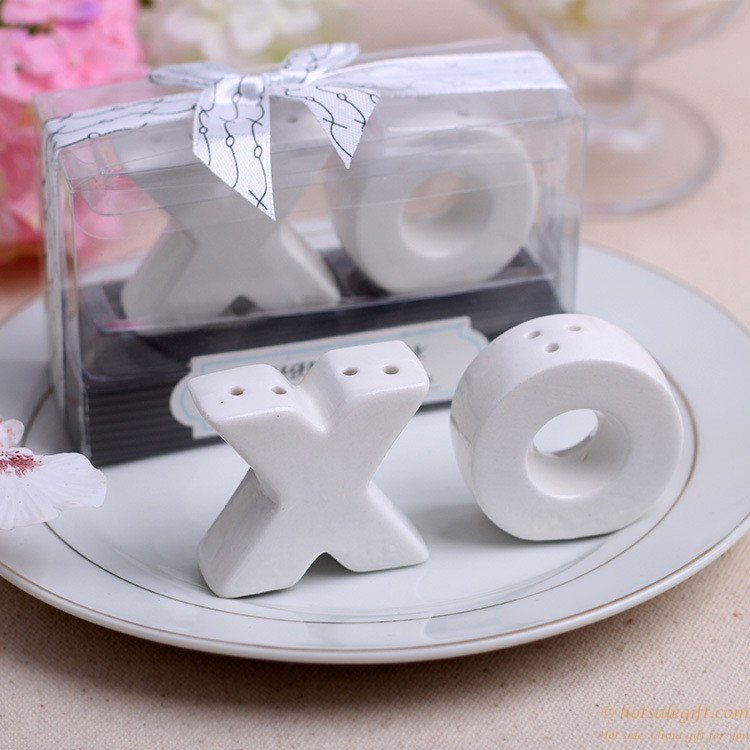 Hugs And Kisses Ceramic Xo Shaped Salt And Pepper Shakers Favor